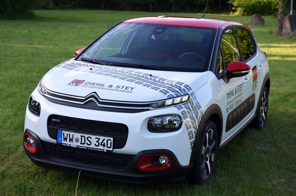 Fahrzeugbeschriftung Diehl & Stey